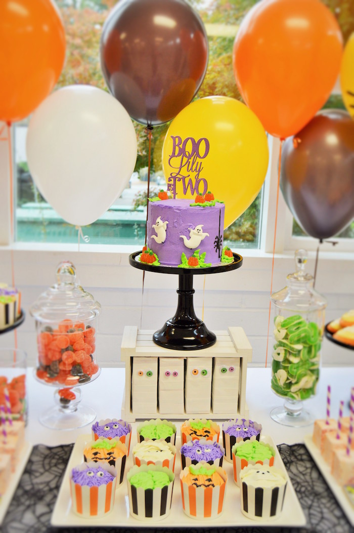 Halloween Bday Party Ideas  Kara s Party Ideas Spooktacular Halloween Birthday Party