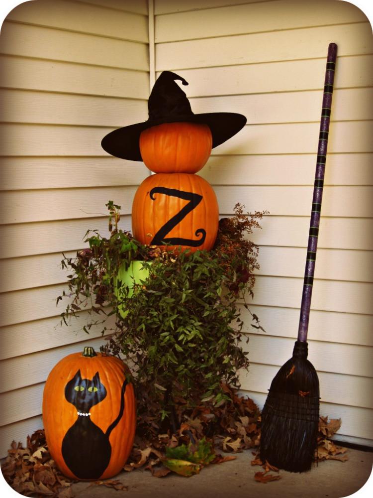 Halloween Decoration Outdoor  25 Easy Halloween Decorations Ideas MagMent