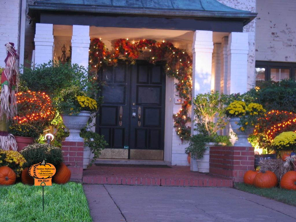 Halloween Decoration Outdoor  Halloween House Decorating Ideas