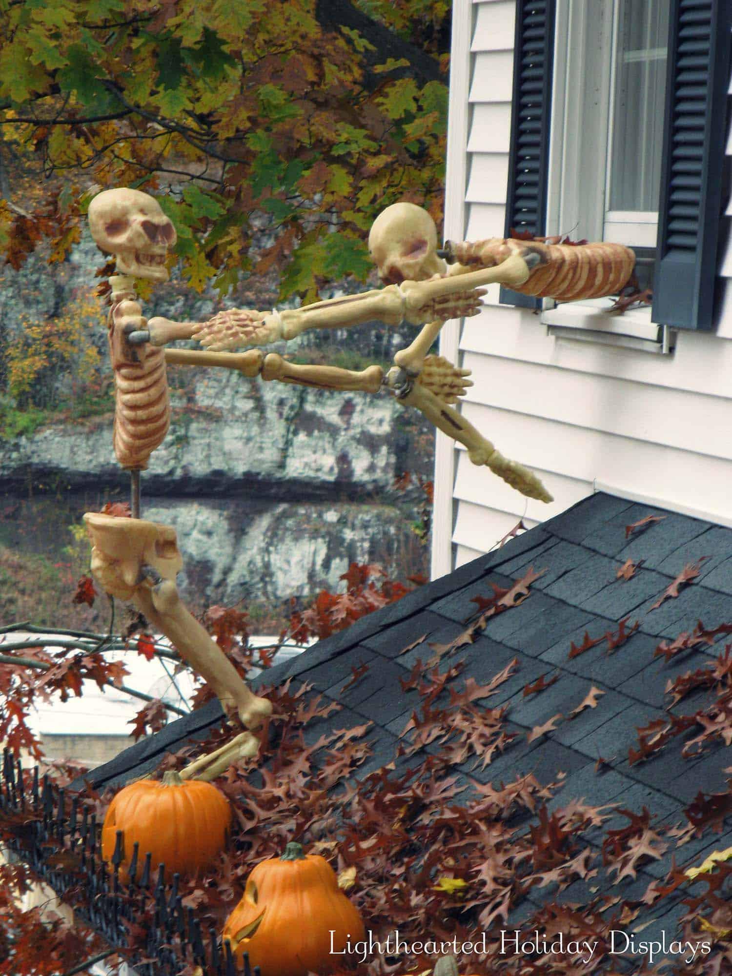 Halloween Decoration Outdoor  21 Incredibly creepy outdoor decorating ideas for Halloween