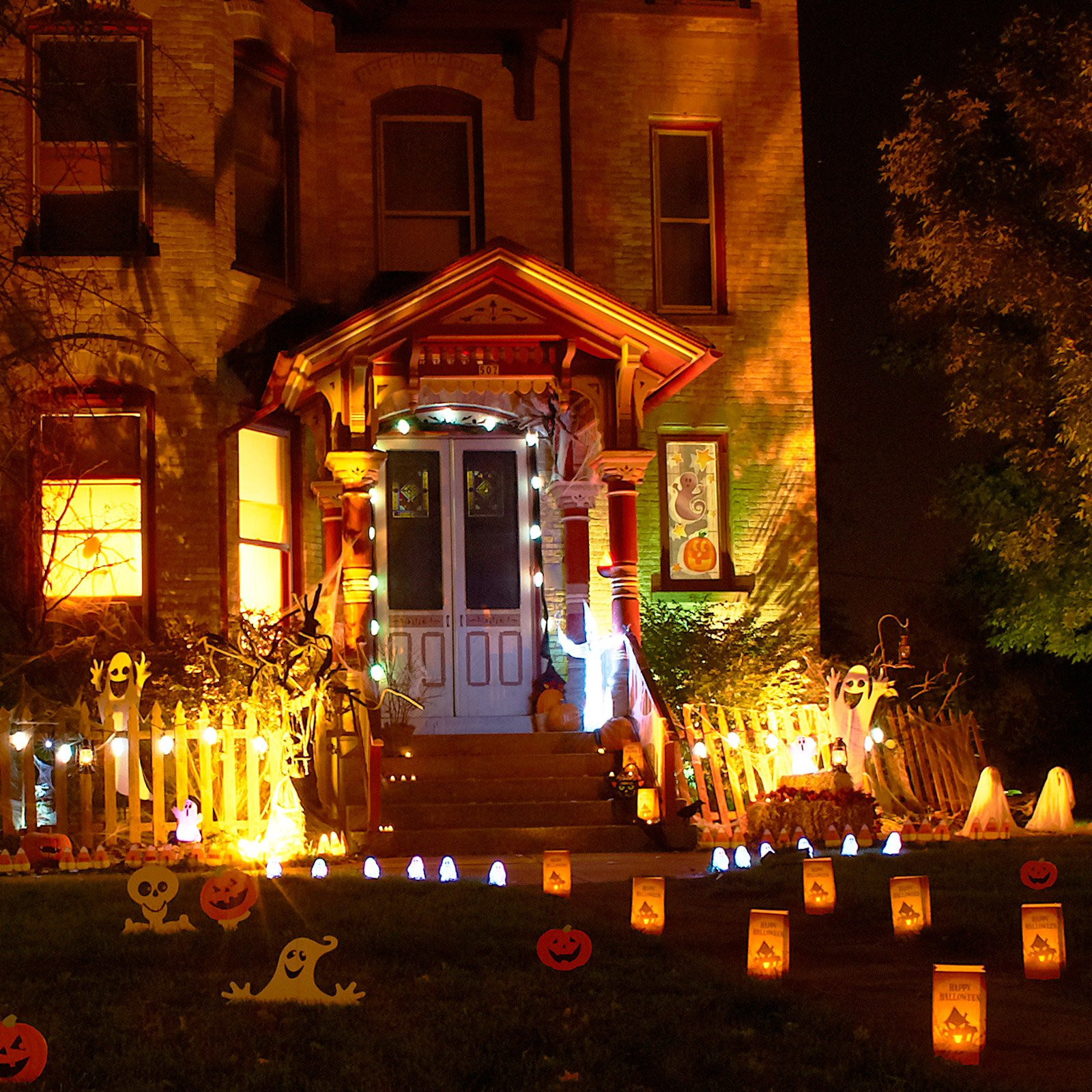 Halloween Decoration Outdoor  11 Awesome Outdoor Halloween Decoration Ideas Awesome 11