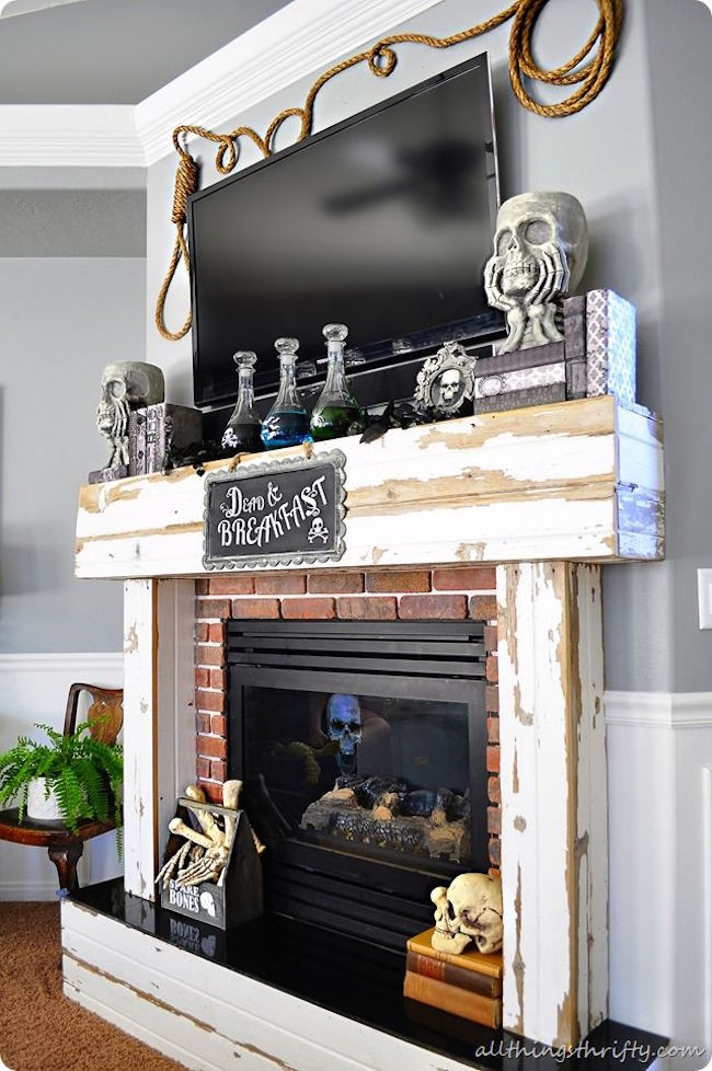 Halloween Fireplace Decorations  18 Spooktacular Halloween Ideas for Your Fireplace Mantel