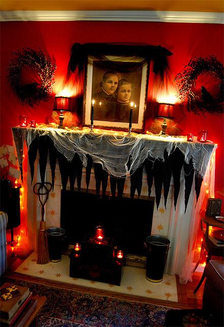 Halloween Fireplace Decorations  Halloween mantle decorating ideas