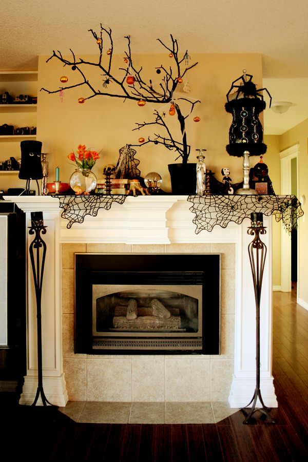 Halloween Fireplace Decorations  10 Extravagant Ways To Decorate For Halloween