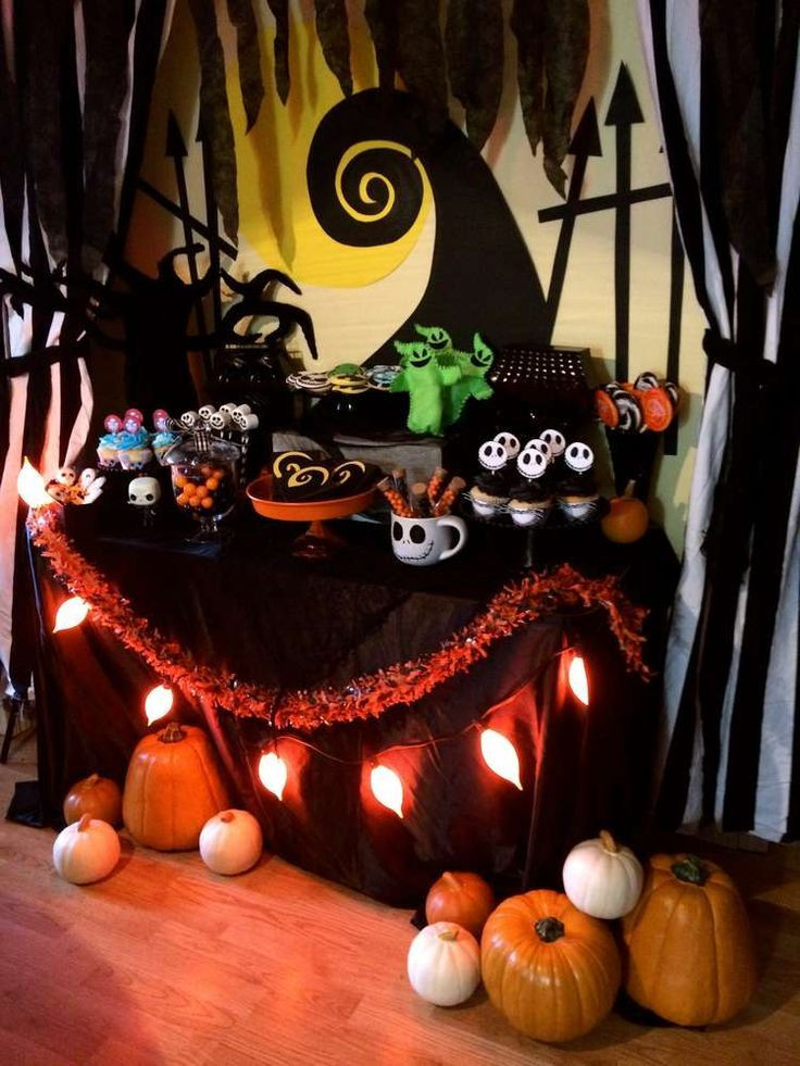 Halloween Ideas For Party  1000 ideas about Halloween Party Themes on Pinterest