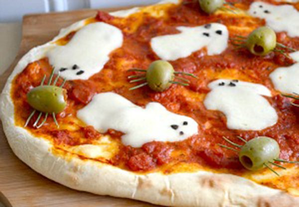 Halloween Pizza Party Ideas  How to Make Spooky Halloween Pizzas
