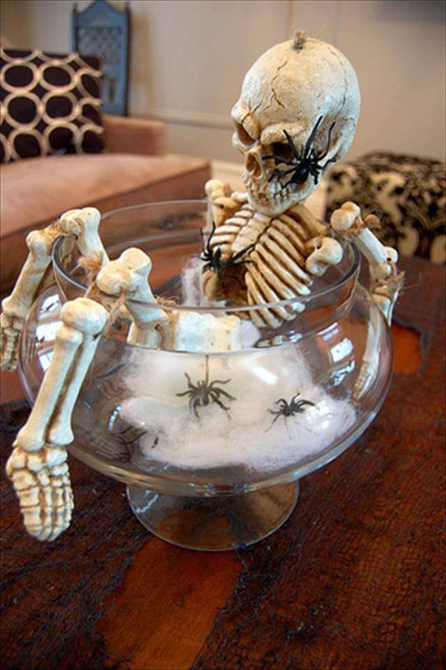 Halloween Table Centerpieces  20 DIY Spooky Halloween Centerpieces