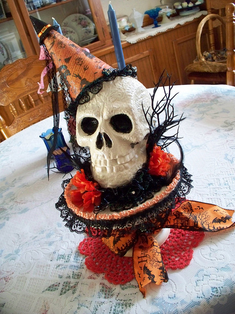 Halloween Table Centerpieces  30 Halloween Table Centerpiece Ideas Shelterness