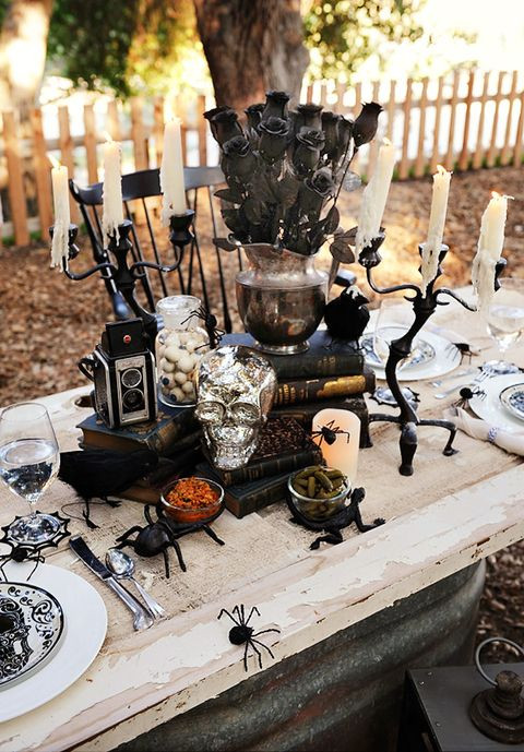 Halloween Table Centerpieces  21 Best Halloween Table Decoration Ideas DIY Halloween
