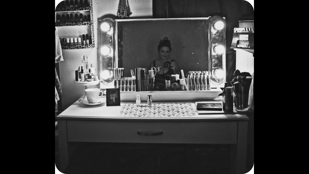 Hollywood Vanity Mirror DIY  DIY Hollywood style Vanity Mirror