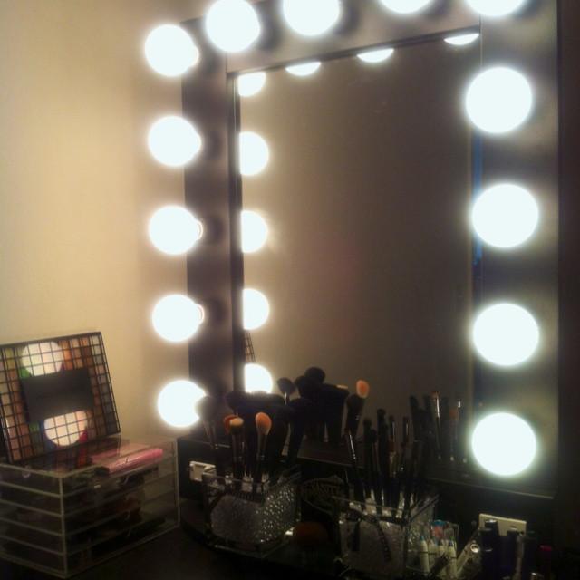 Hollywood Vanity Mirror DIY  In LOVE w my Vanity Girl Hollywood Broadway mirror MUJI