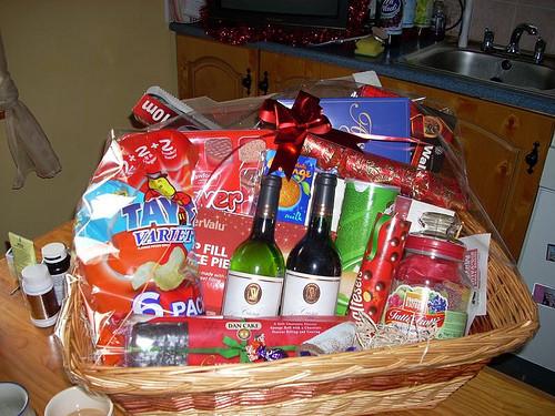 Home Made Christmas Gift Basket Ideas  DIY Easy Homemade Christmas Gift Ideas