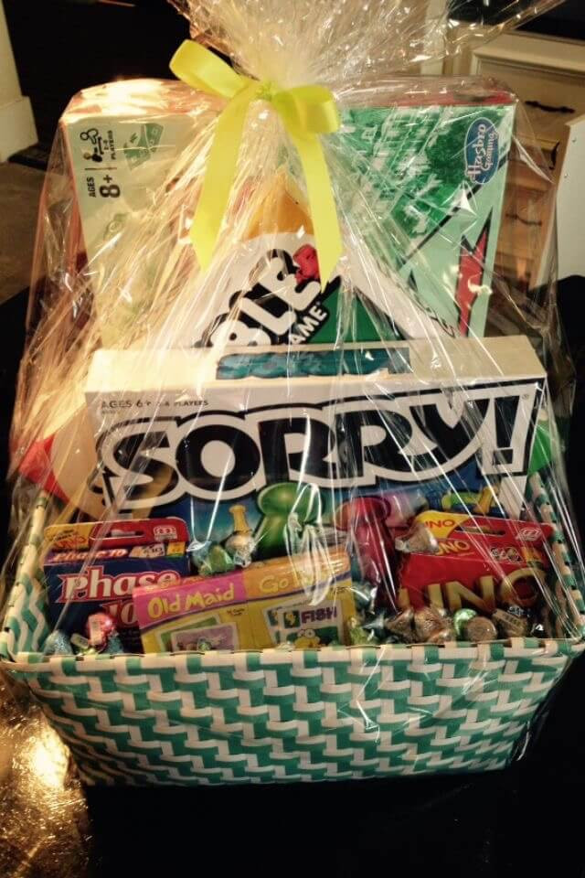 Home Made Christmas Gift Basket Ideas  20 Unique DIY Gift Baskets That Are Super Easy To Make