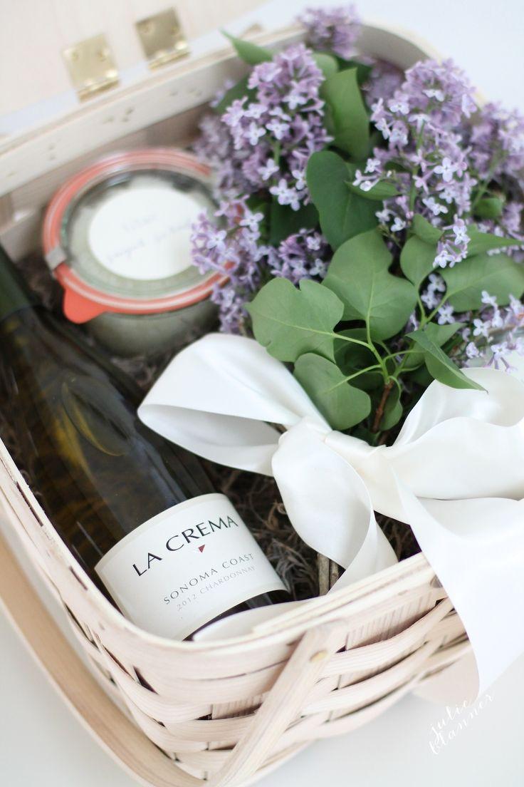Houseguest Thank You Gift Ideas  Best 25 Hostess ts ideas on Pinterest