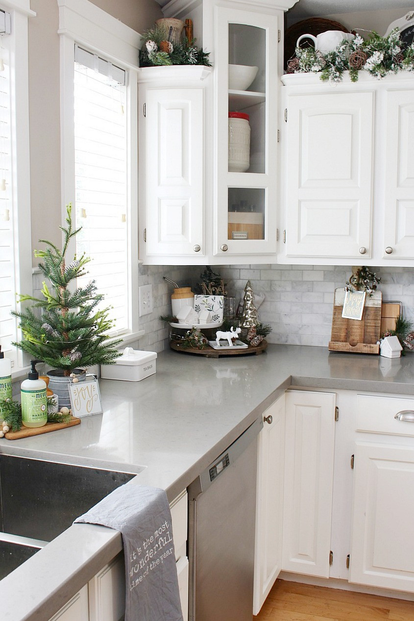 Kitchen Cabinet Christmas Decorating Ideas  Christmas Kitchen Decorating Ideas Clean and Scentsible