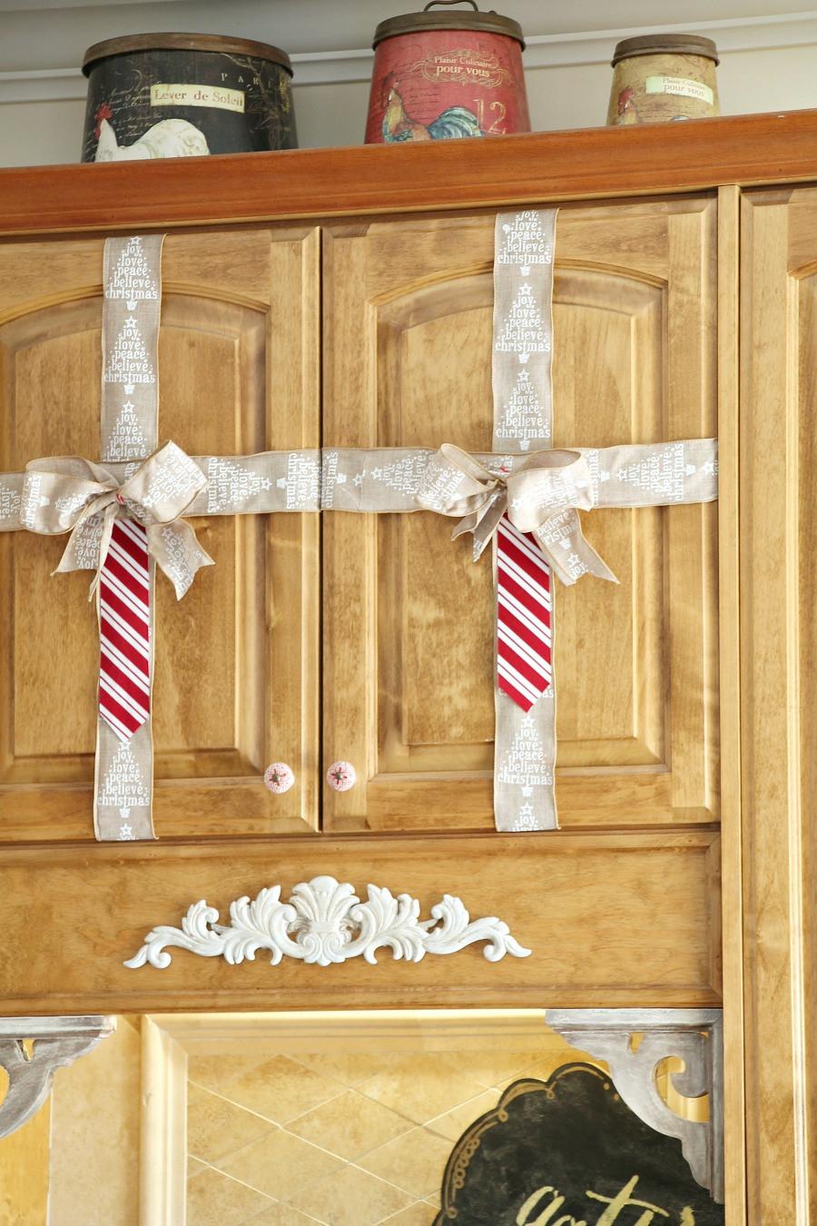 Kitchen Cabinet Christmas Decorating Ideas  Simple Christmas decorating ideas in the kitchen Debbiedoos