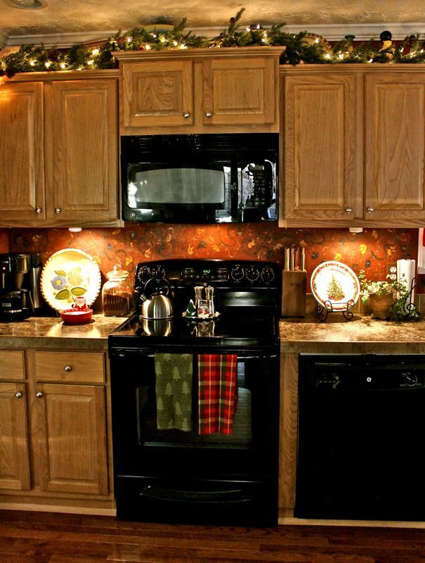 Kitchen Cabinet Christmas Decorating Ideas  Best 25 Apartment christmas decorations ideas on
