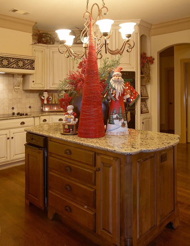 Kitchen Cabinet Christmas Decorating Ideas  43 best Christmas Kitchens images on Pinterest