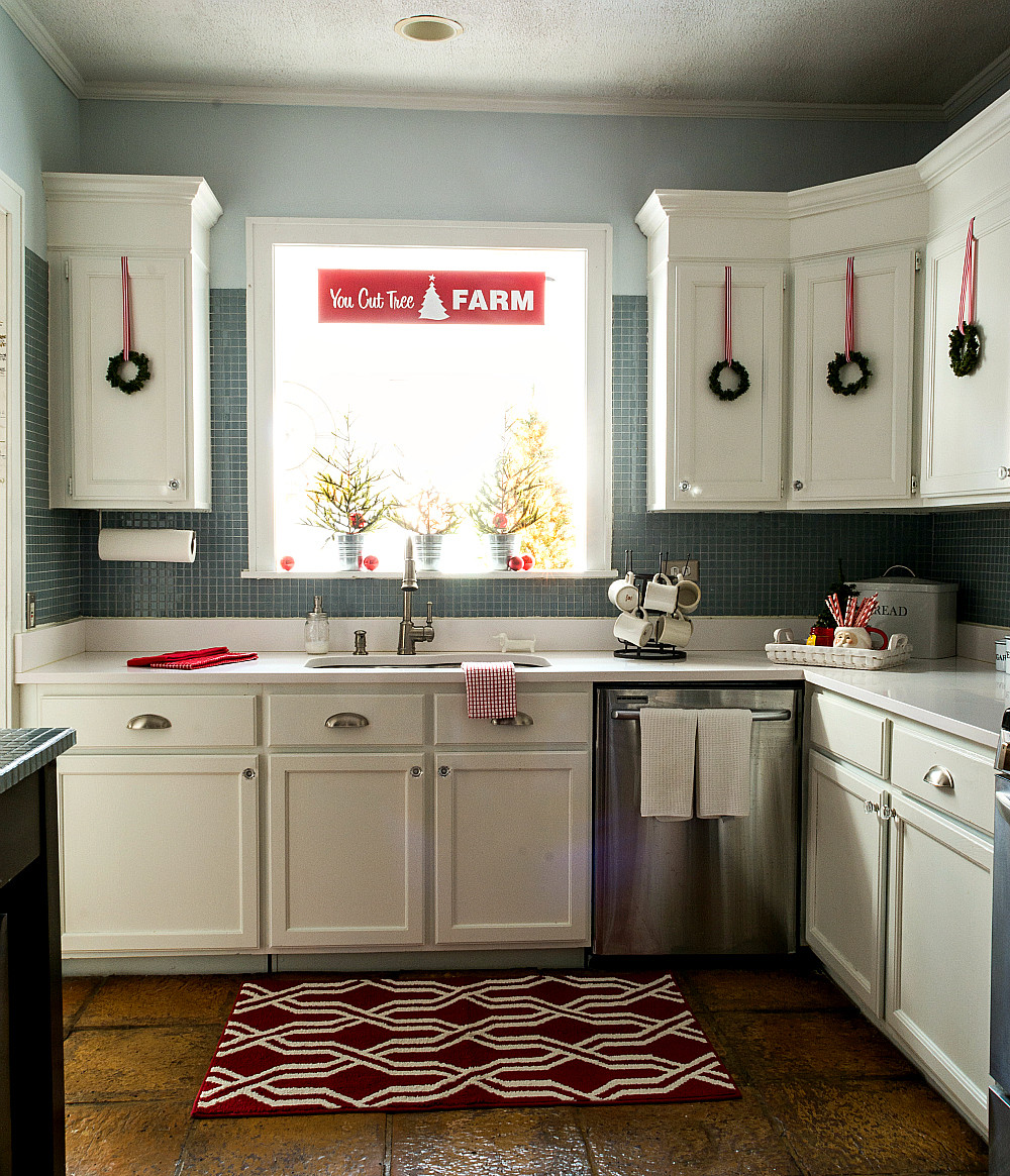 Kitchen Cabinet Christmas Decorating Ideas  Christmas in the Kitchen