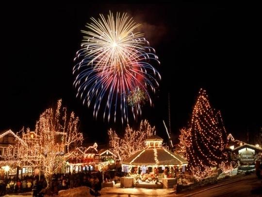 Leavenworth Christmas Tree Lighting  Leavenworth Bavarian Village Leavenworth WA Kid