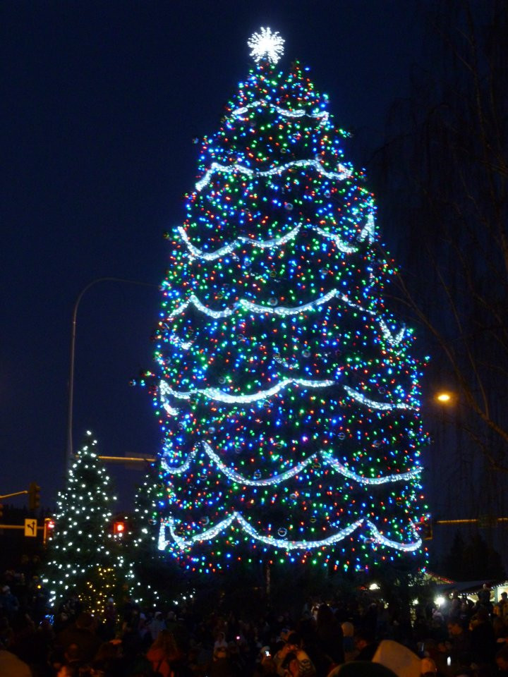 Leavenworth Christmas Tree Lighting  Leavenworth – Bavarian Christmas fun right here in the USA
