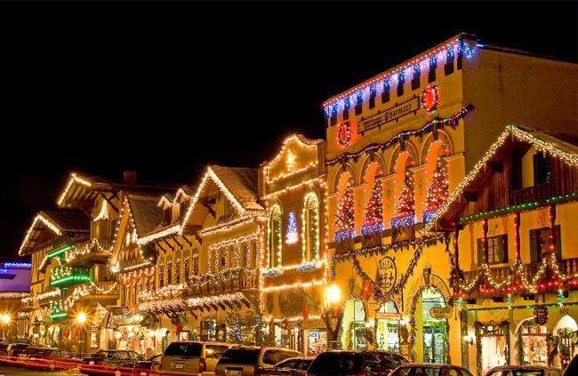 Leavenworth Christmas Tree Lighting  Romantic Pacific Northwest Getaways for Wine & Beer Lovers