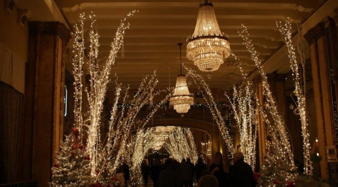 Lighted Christmas Decorations Indoor  Top 30 Indoor Christmas Lights Decoration Ideas