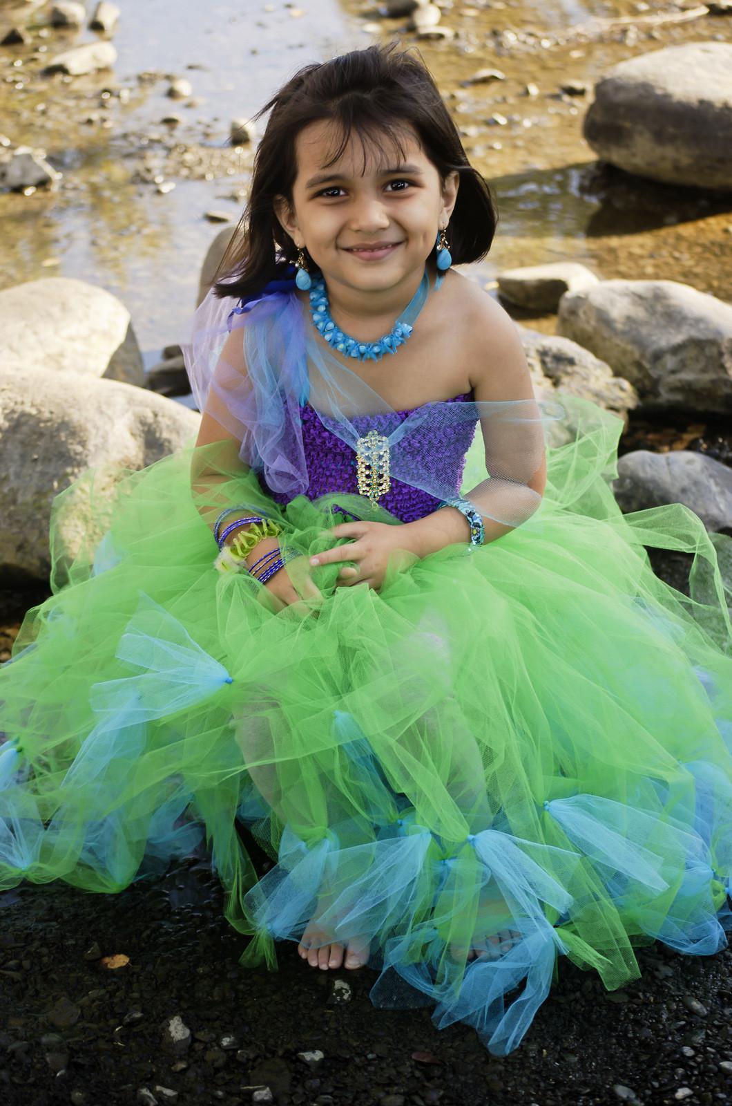 Mermaid Costume DIY  by Ami Mathur graphy