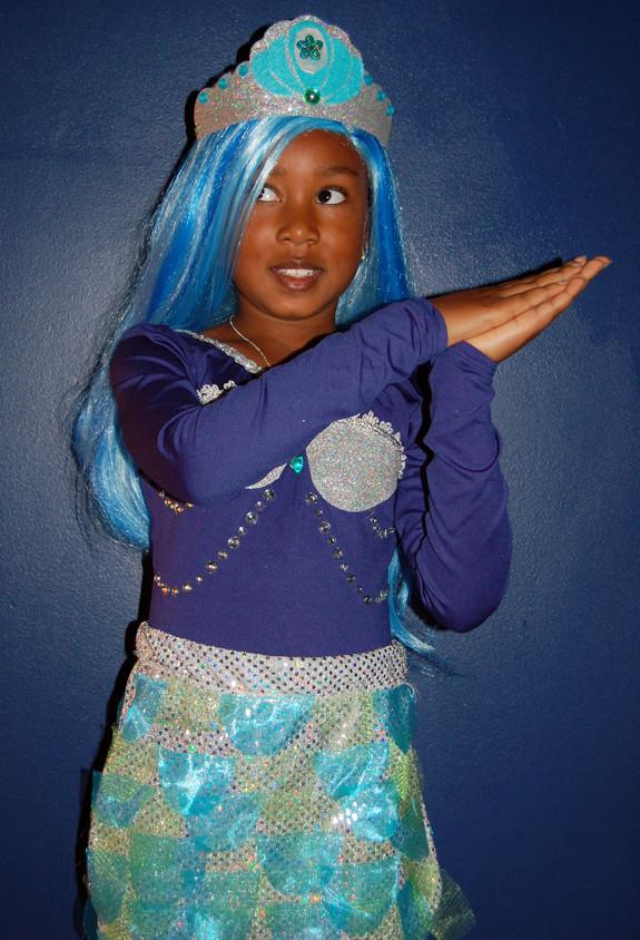 Mermaid Costume DIY  A Pirate & a DIY Mermaid Costume Tutorial