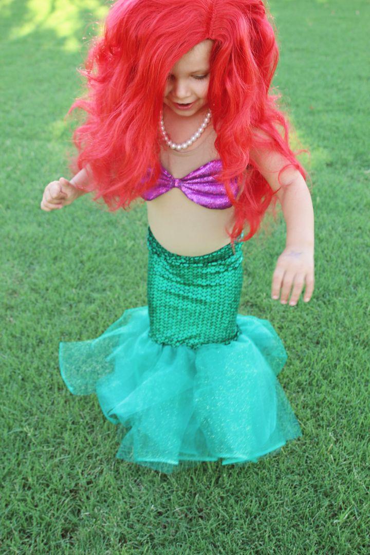 Mermaid Costume DIY  DIY Little Mermaid Costume Tutorial Part II Two Bobbins