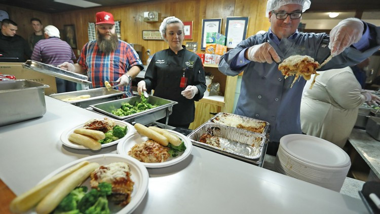 Olive Garden Thanksgiving  Olive Garden to host annual Springfield Thanksgiving meal