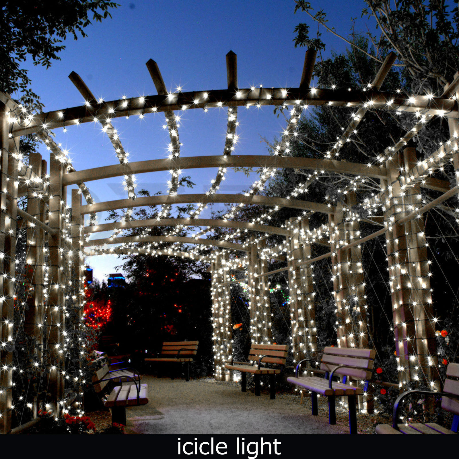 Outdoor Christmas Icicle Lights  24M 960 LED Bright White Snowing Icicle Lights Indoor