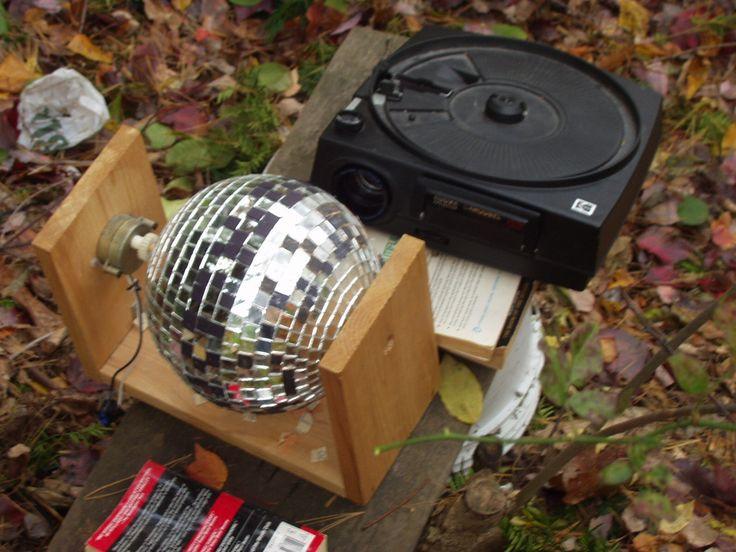 Outdoor Halloween Projector  DIY Outdoor Halloween house projector
