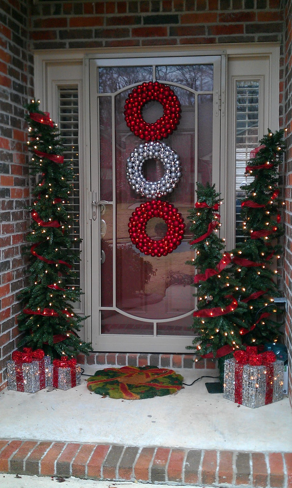 Porch Christmas Decorations  BEAUTIFUL OUTDOOR CHRISTMAS PORCH DECORATION IDEAS