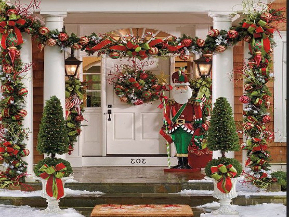 Porch Christmas Decorations  Easy outdoor christmas decorating ideas pinterest outdoor