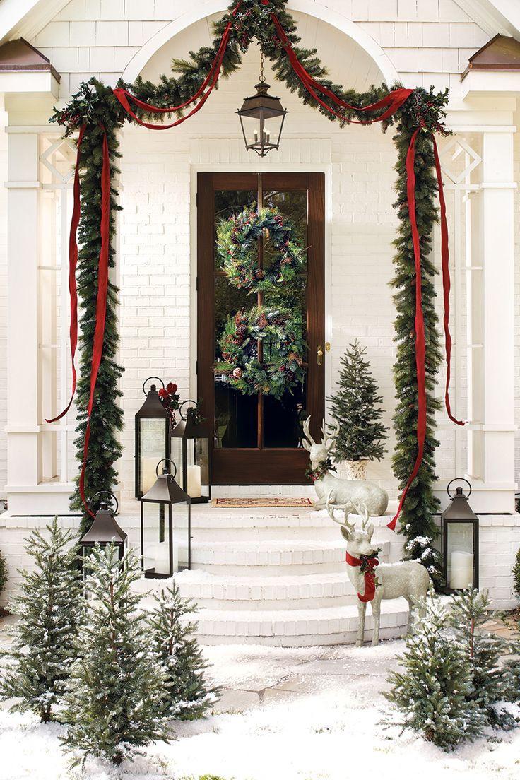 Porch Christmas Decorations  38 Amazing Christmas Garlands For Home Décor