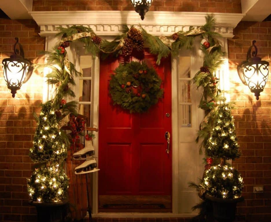Porch Christmas Decorations  Christmas Decorating Ideas for Your Porch