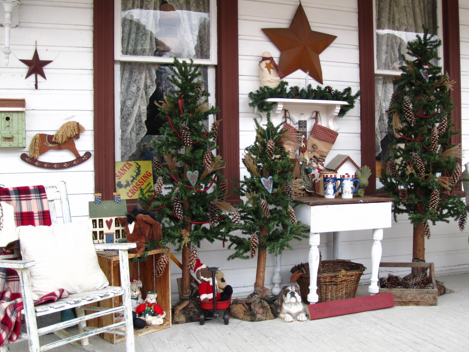 Porch Decor For Christmas  SuesJunkTreasures Rustic Country Christmas on my front