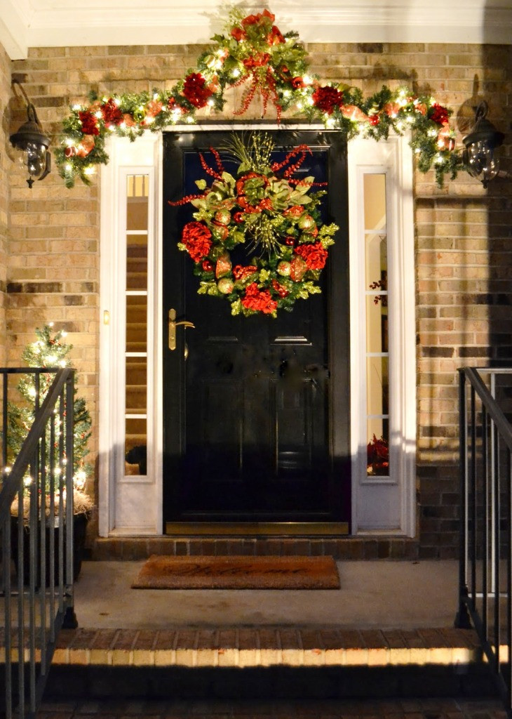Porch Decor For Christmas  20 Christmas Front Door Decoration Ideas Instaloverz