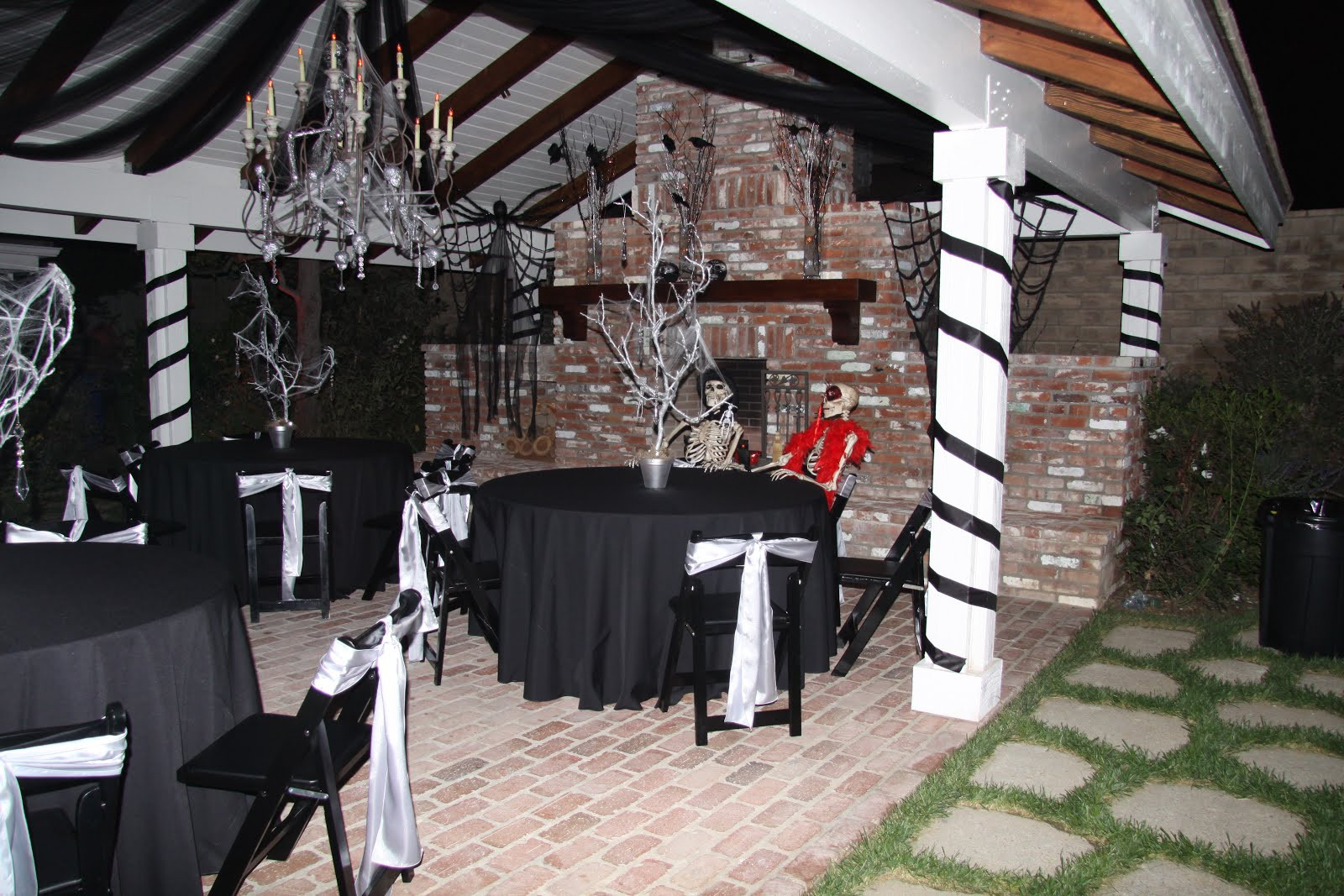 Sweet 16 Halloween Party Ideas  My Remarkable Style SWEET 16 HALLOWEEN PARTY