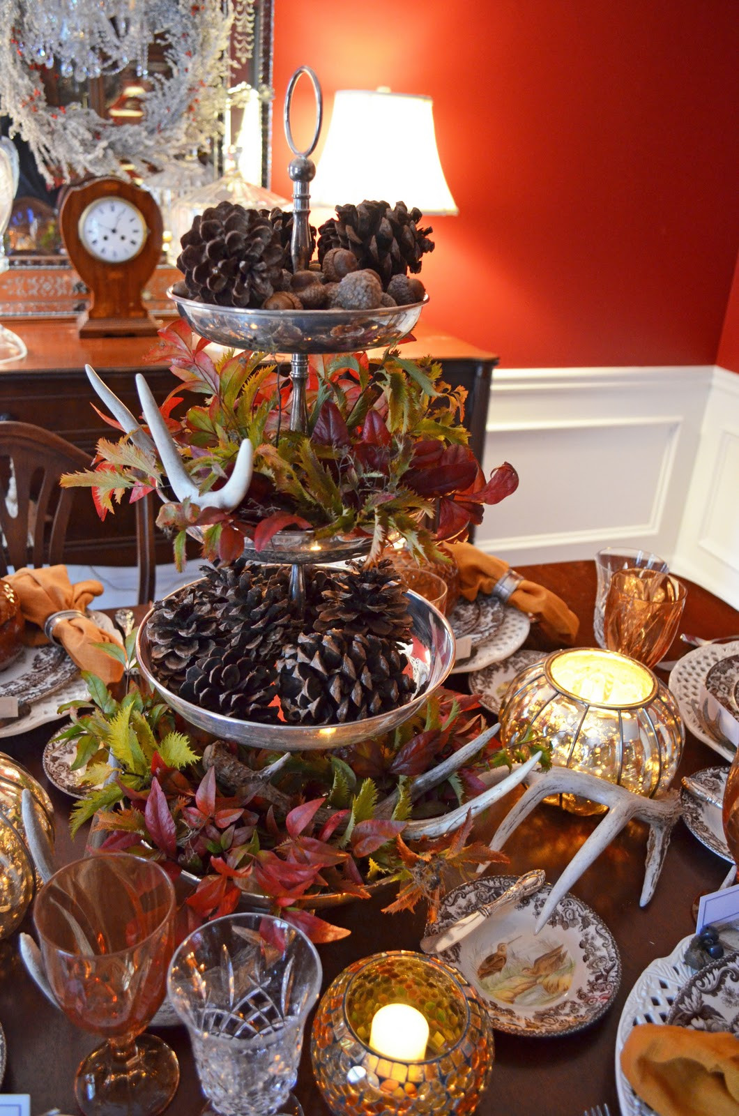 Table Decorations For Thanksgiving  Thanksgiving Table Setting with Nature Themed Centepiece
