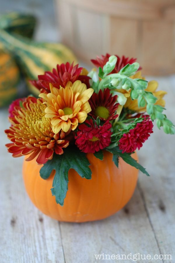 Thanksgiving Flower Arrangement Ideas  25 best ideas about Pumpkin centerpieces on Pinterest