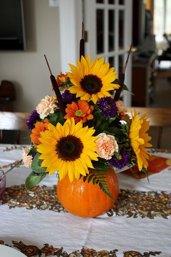 Thanksgiving Flower Arrangement Ideas  Pumpkin Flower Arrangement [Thanksgiving Centrepiece