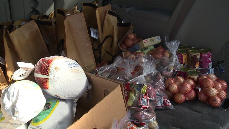 Thanksgiving Food Pantry  York Food Pantry delivers Thanksgiving dinner to hundreds