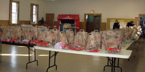Thanksgiving Food Pantry  Southborough Food Pantry provides Thanksgiving dinners for