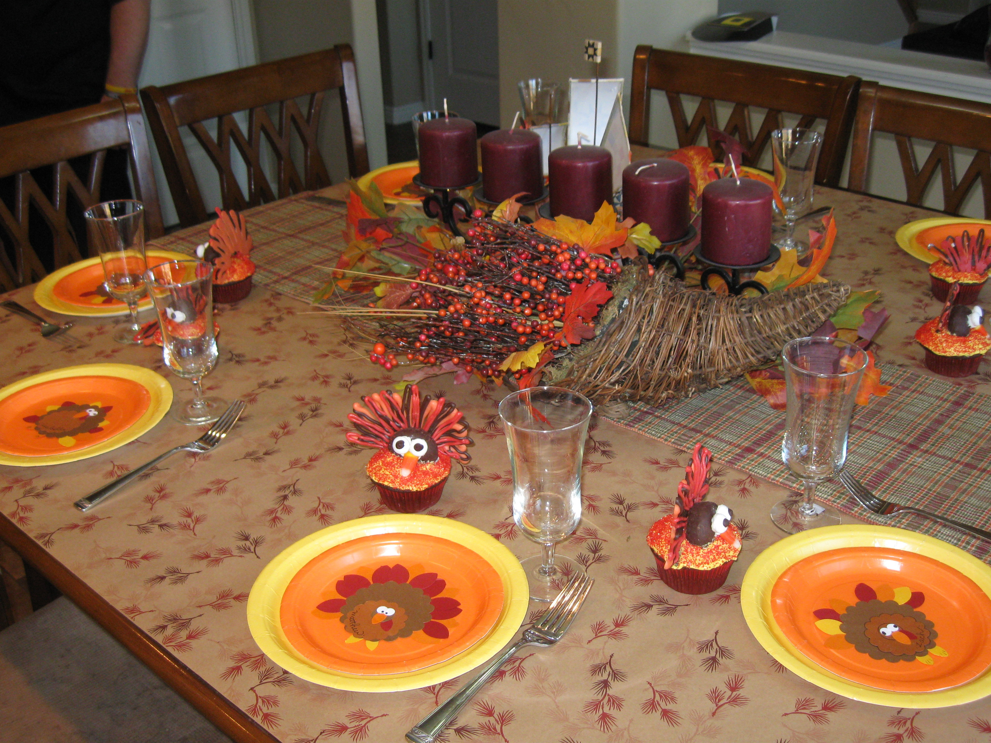 Thanksgiving Kids Table  A Thanksgiving Table for Kids – thegalagals
