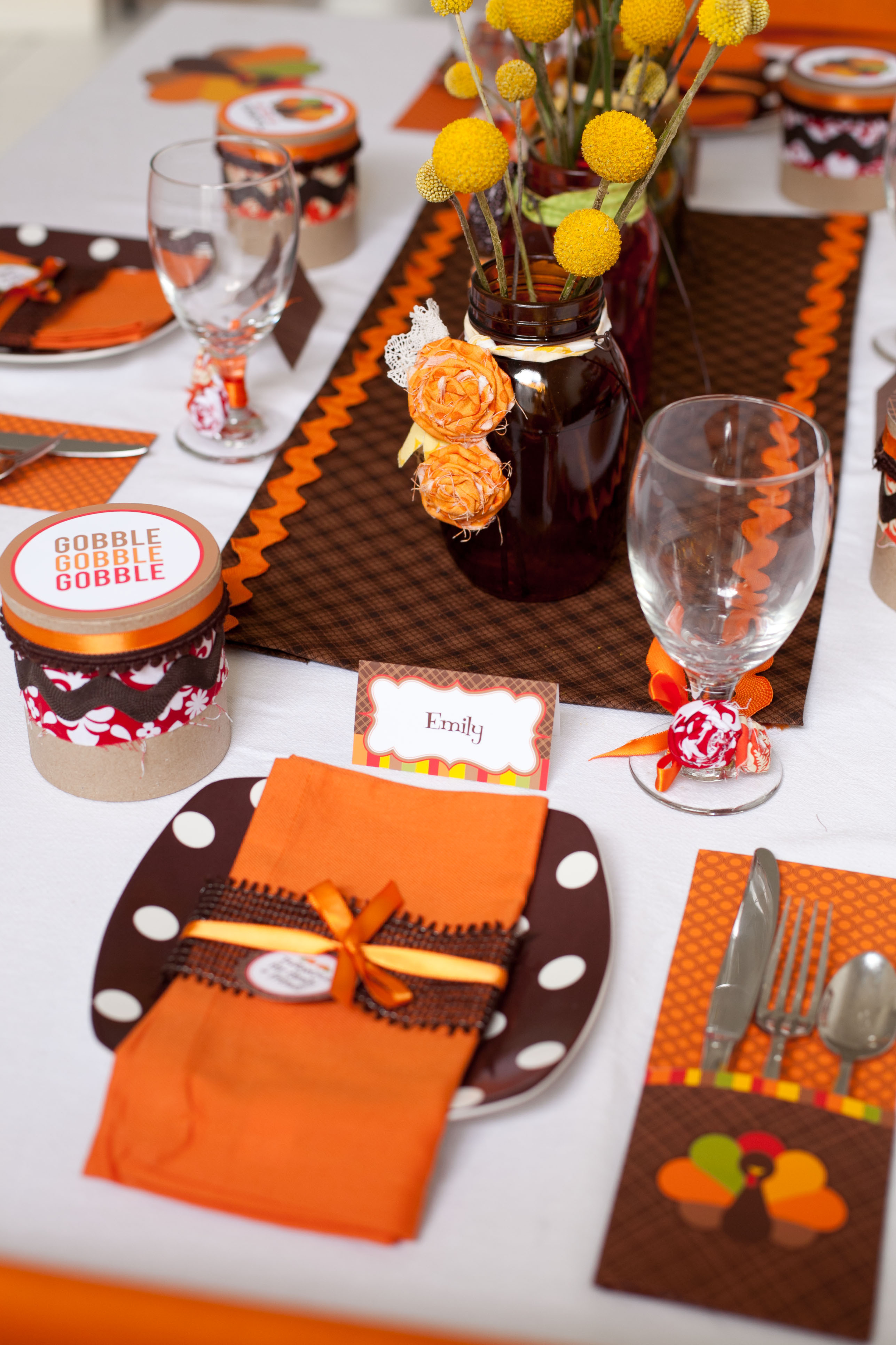 Thanksgiving Kids Table  Party Reveal Kid Friendly Thanksgiving Table