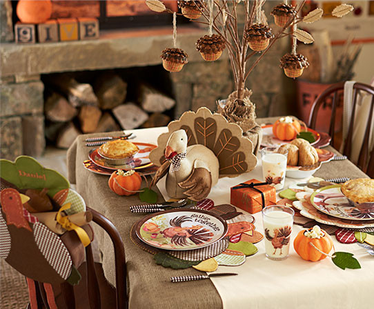 Thanksgiving Kids Table  12 Splendid Thanksgiving Tablescapes