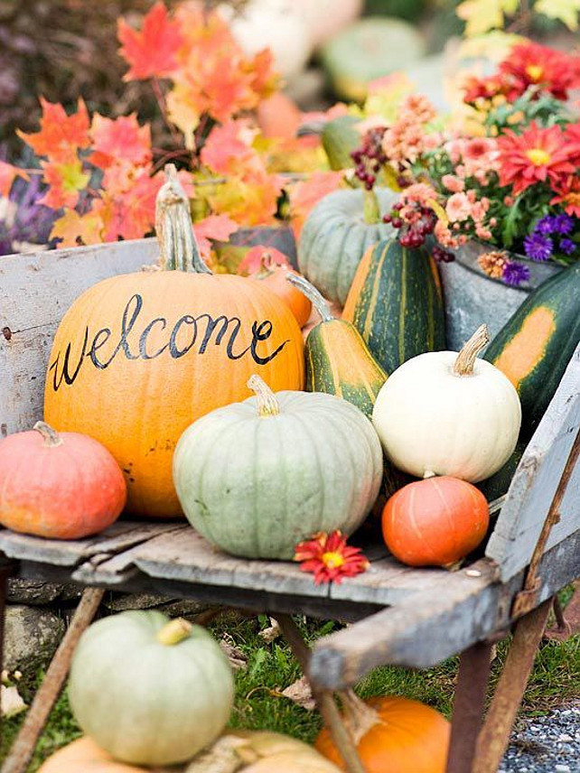 Thanksgiving Outdoor Decorations  50 Thanksgiving Decorating Ideas Home Bunch Interior