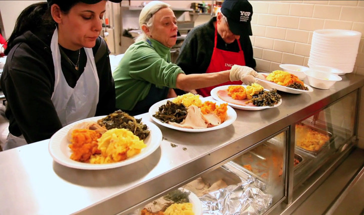 Thanksgiving Soup Kitchen Nyc  7 Opportunities to Volunteer & Give Back This Thanksgiving